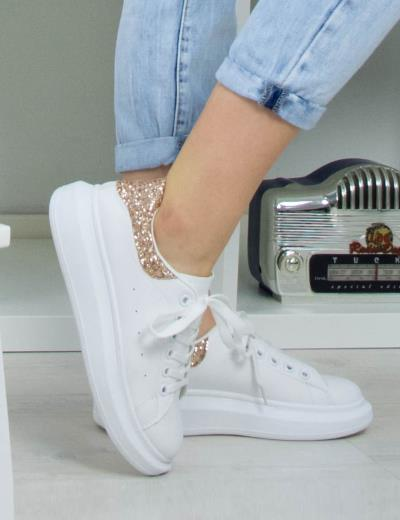 bfd4c19dbf7 Γυναικεία λευκά δίσολα Sneakers με μπρονζέ Glitter GG509L